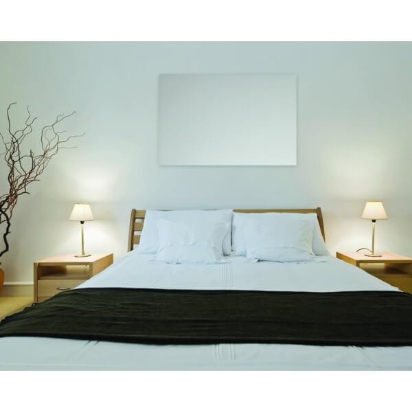 Darstellung einer Glasheizung im Schlafzimmer