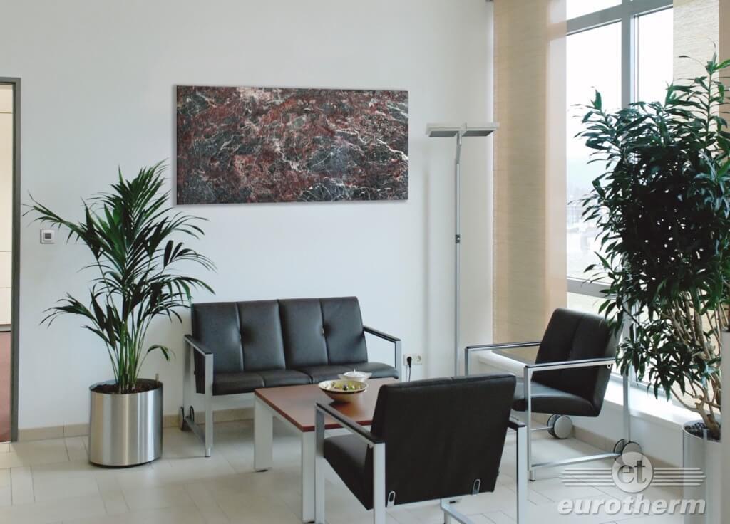 Bild der Natursteinheizung im Zimmer